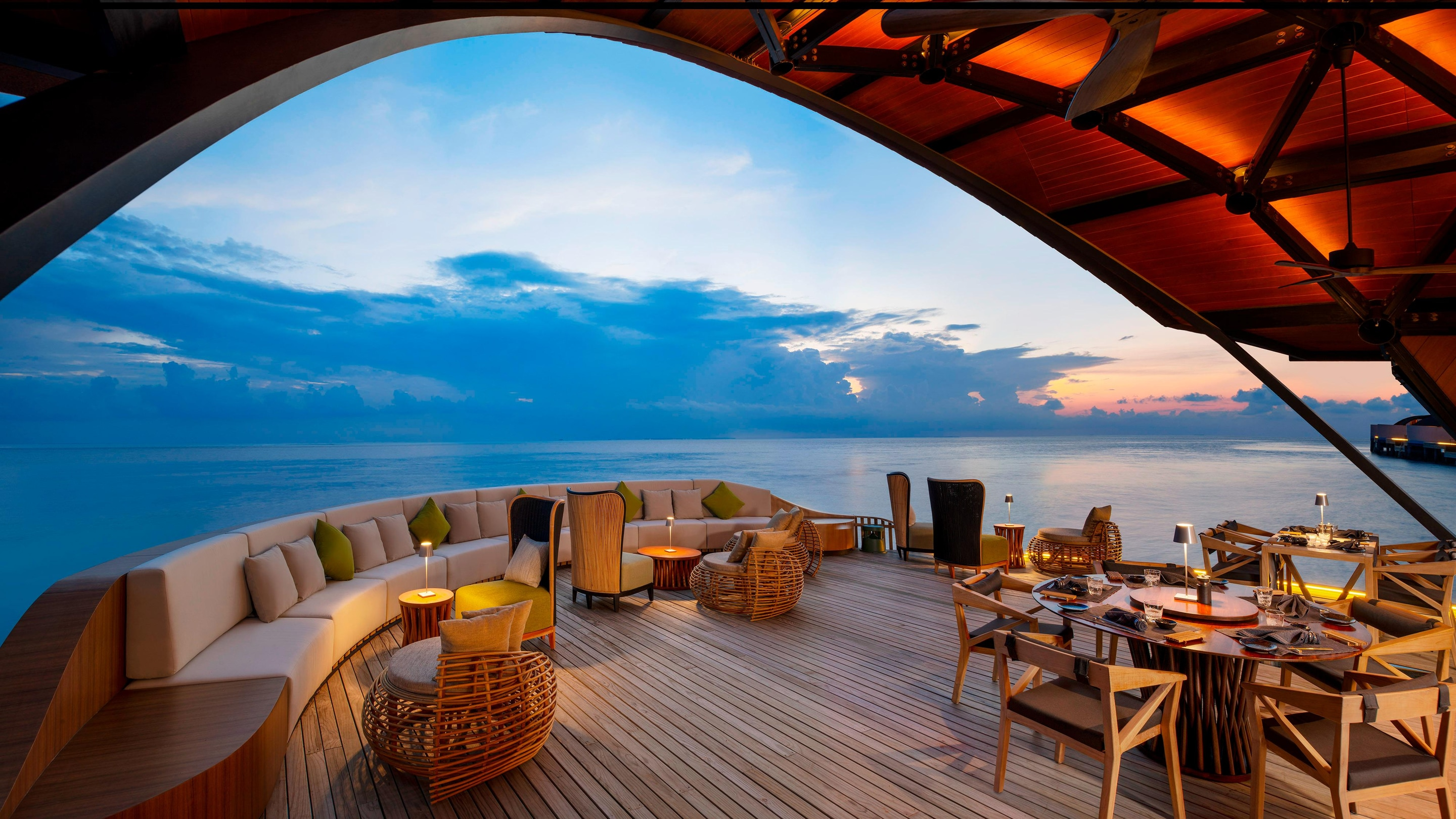 the pearl restaurant deck