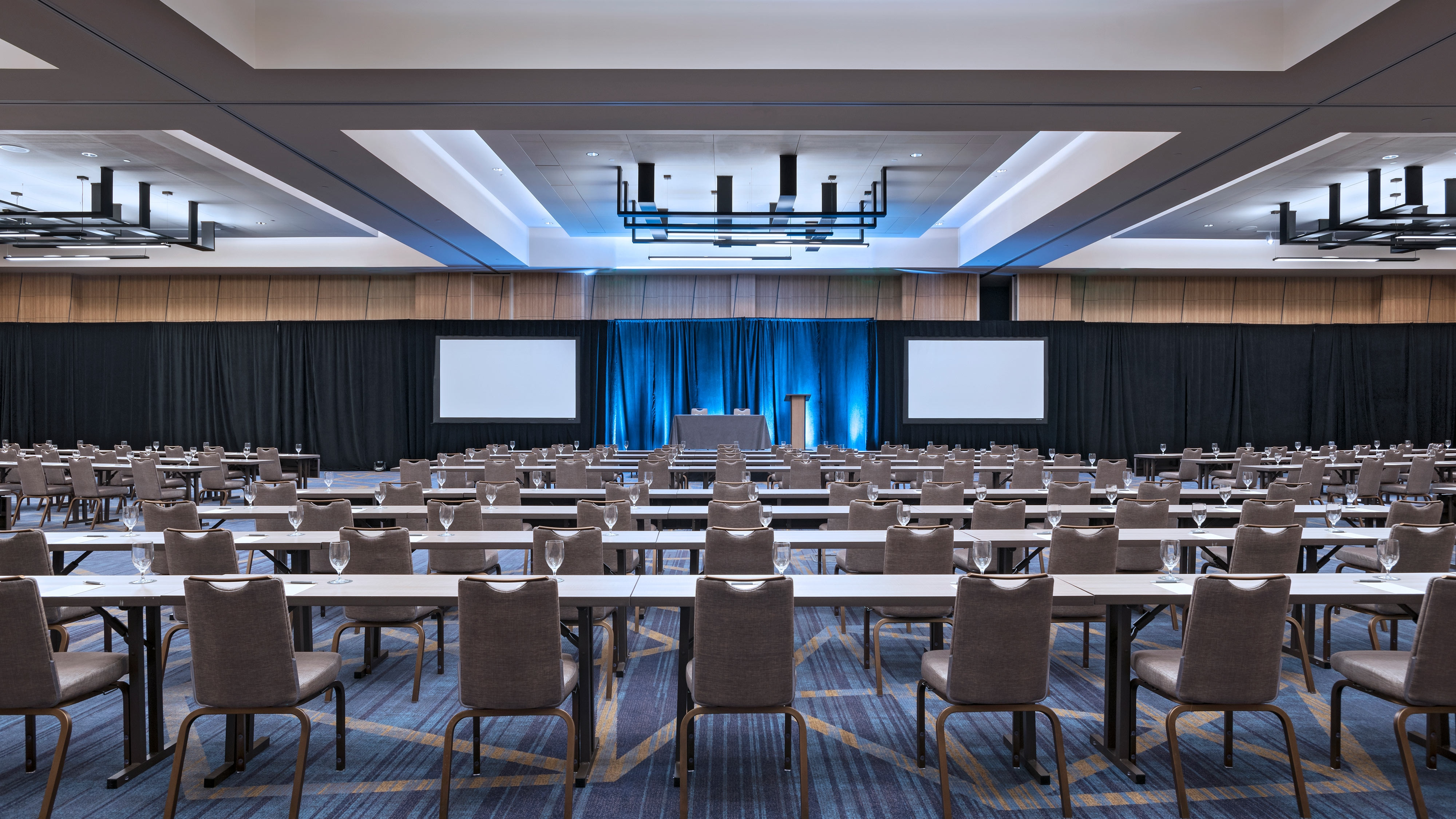 Our Harmony Grand Ballroom features modern design, ample lighting, versatile setups and easily transformable spaces that can break out into 6 different rooms via air walls.
