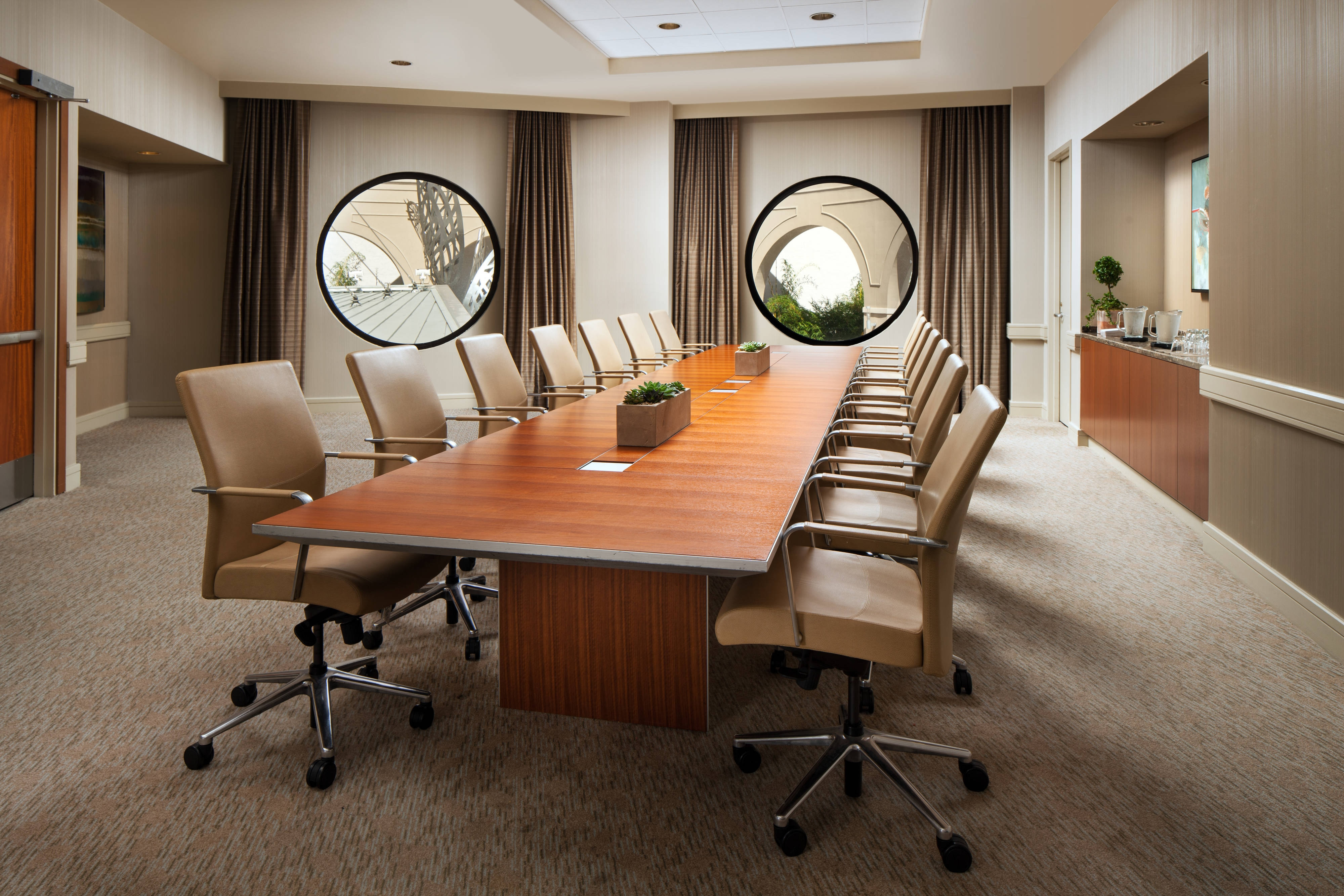Pacifica Boardroom - Conference Setup
