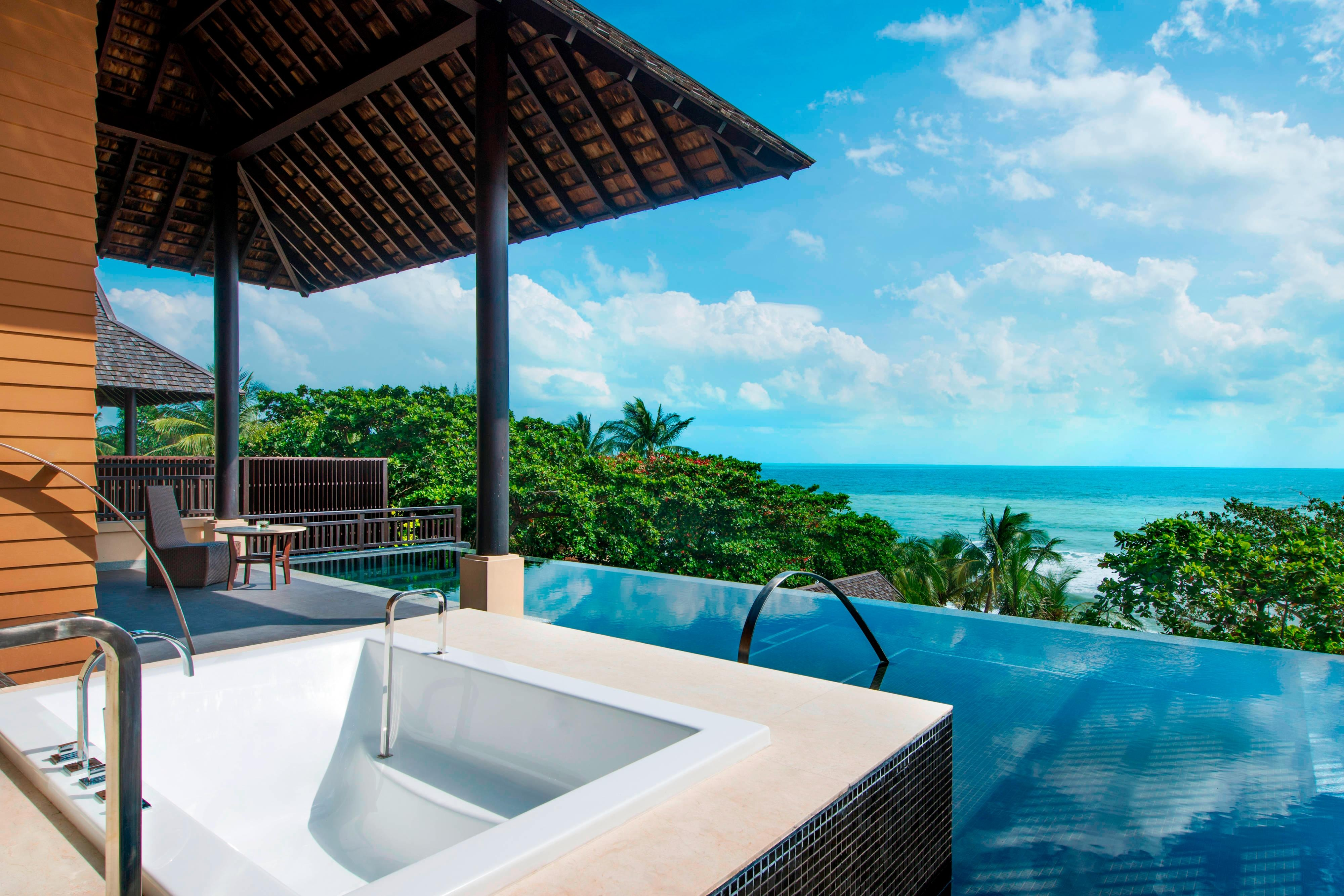 Ocean View Pool Suite - Outdoor Bath