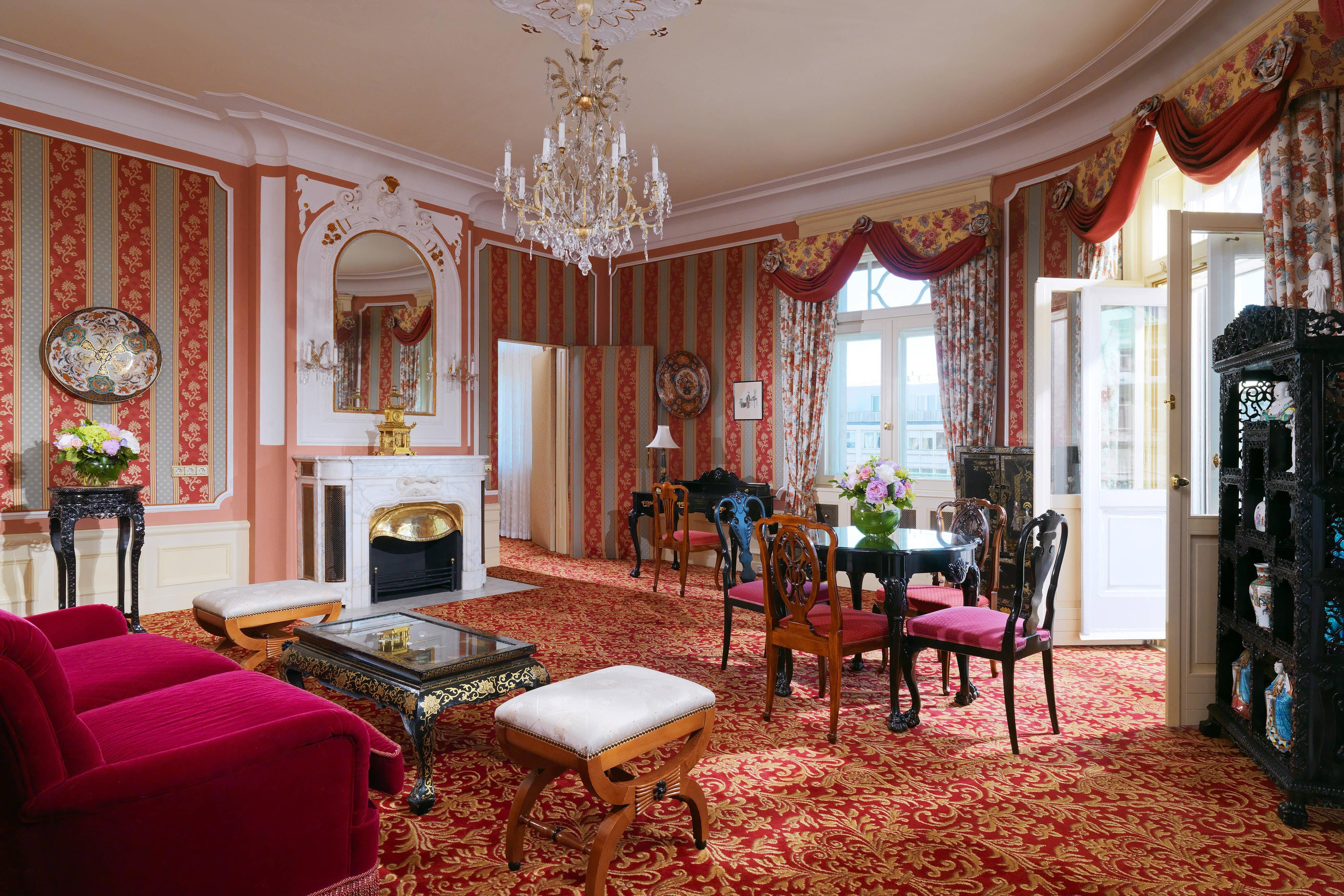 Opera Suite - Living Room